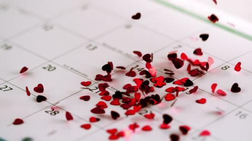 calendar-confetti-valentine's-day-love-heart-body
